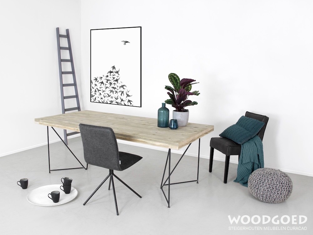 Design Tafel Meubels.Industriele Tafel Bandera Met Stalen Poten Woodgoed Com