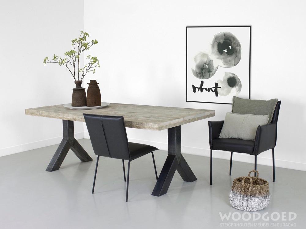 Steigerhouten tafel met stalen poten min shop hout van jou